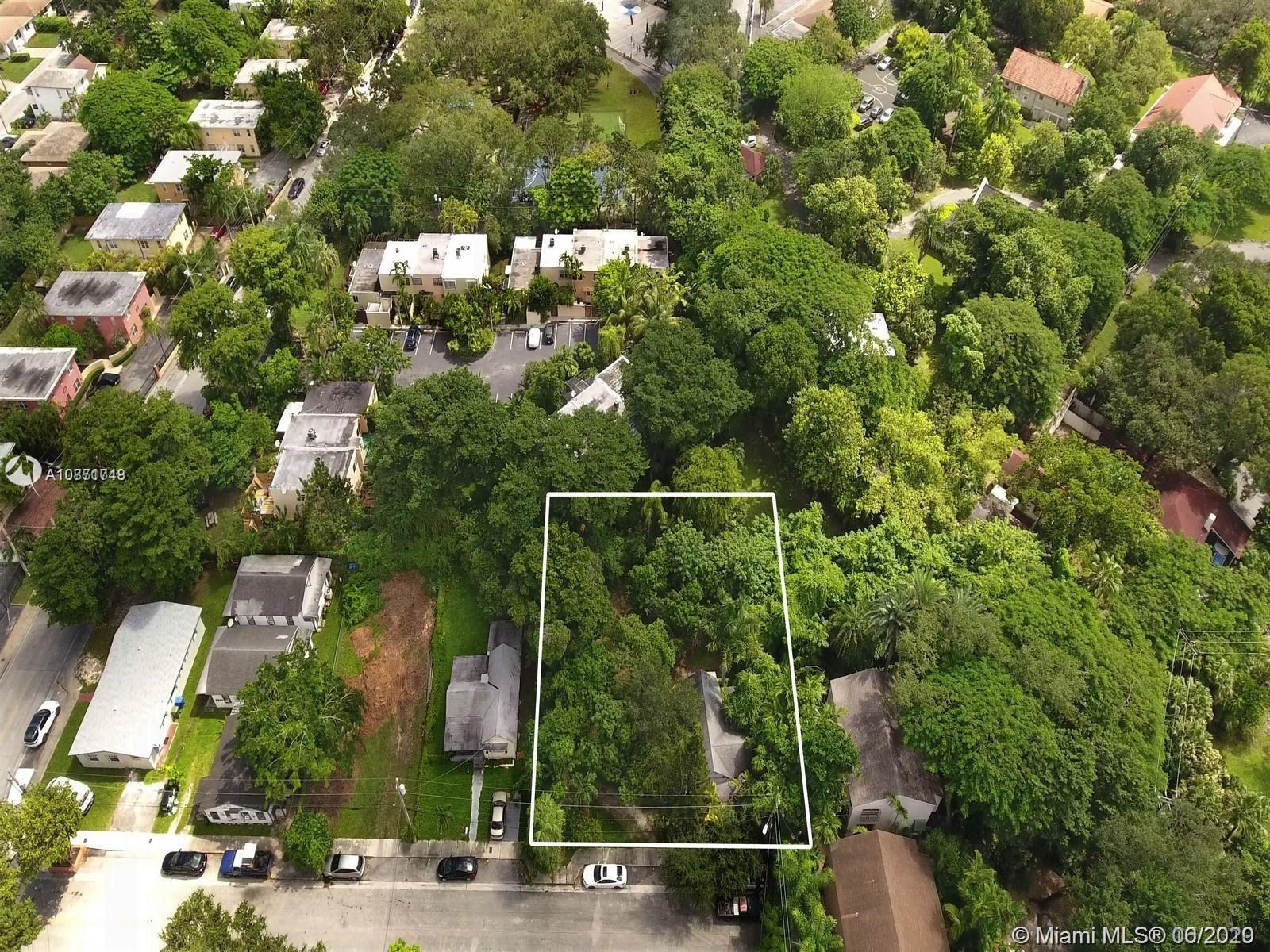 3587  Hibiscus St  For Sale A10871748, FL
