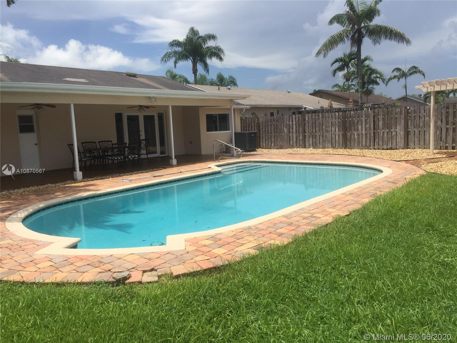 10915 NW 27th Pl  For Sale A10870567, FL