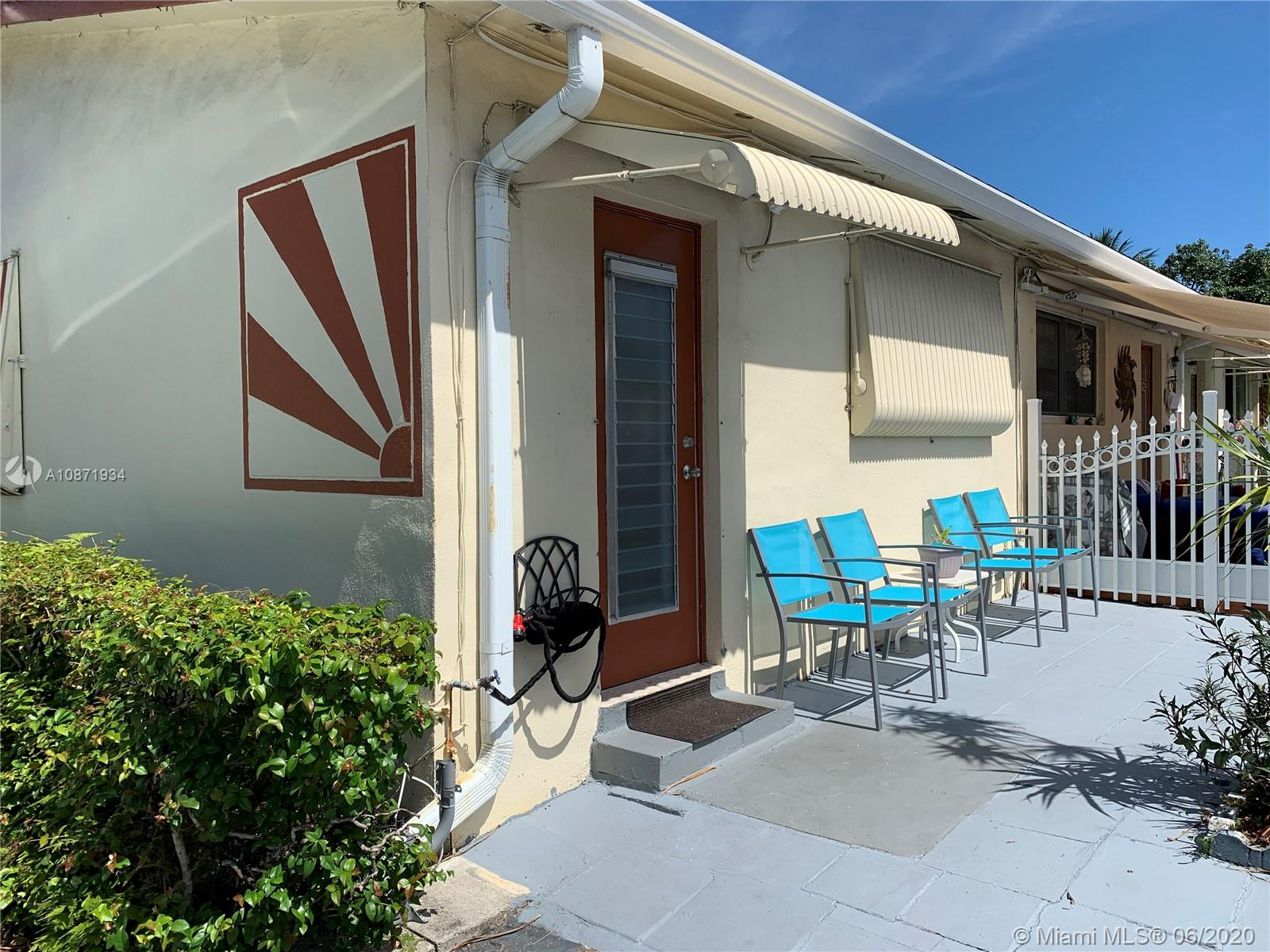 2516  Hayes St #12 For Sale A10871934, FL