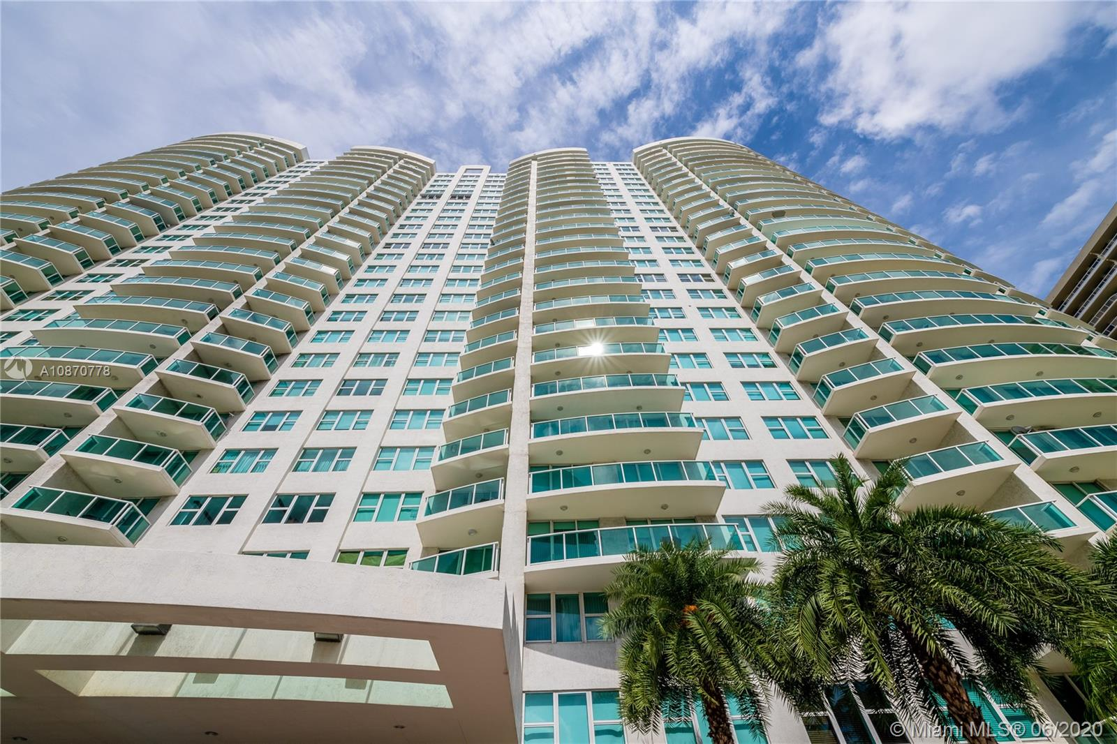 20201 E Country Club Dr #904 For Sale A10870778, FL