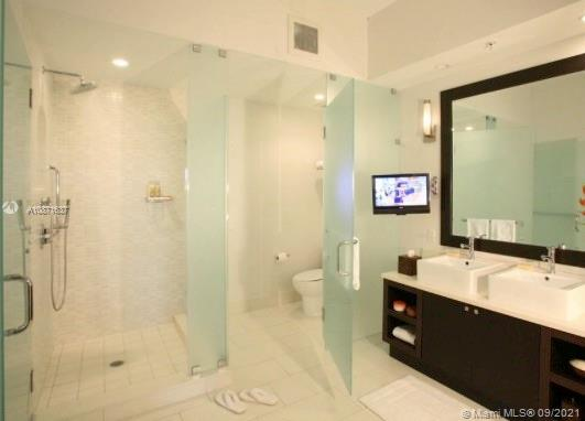 5300 NW 87th Ave #1301 For Sale A10871637, FL