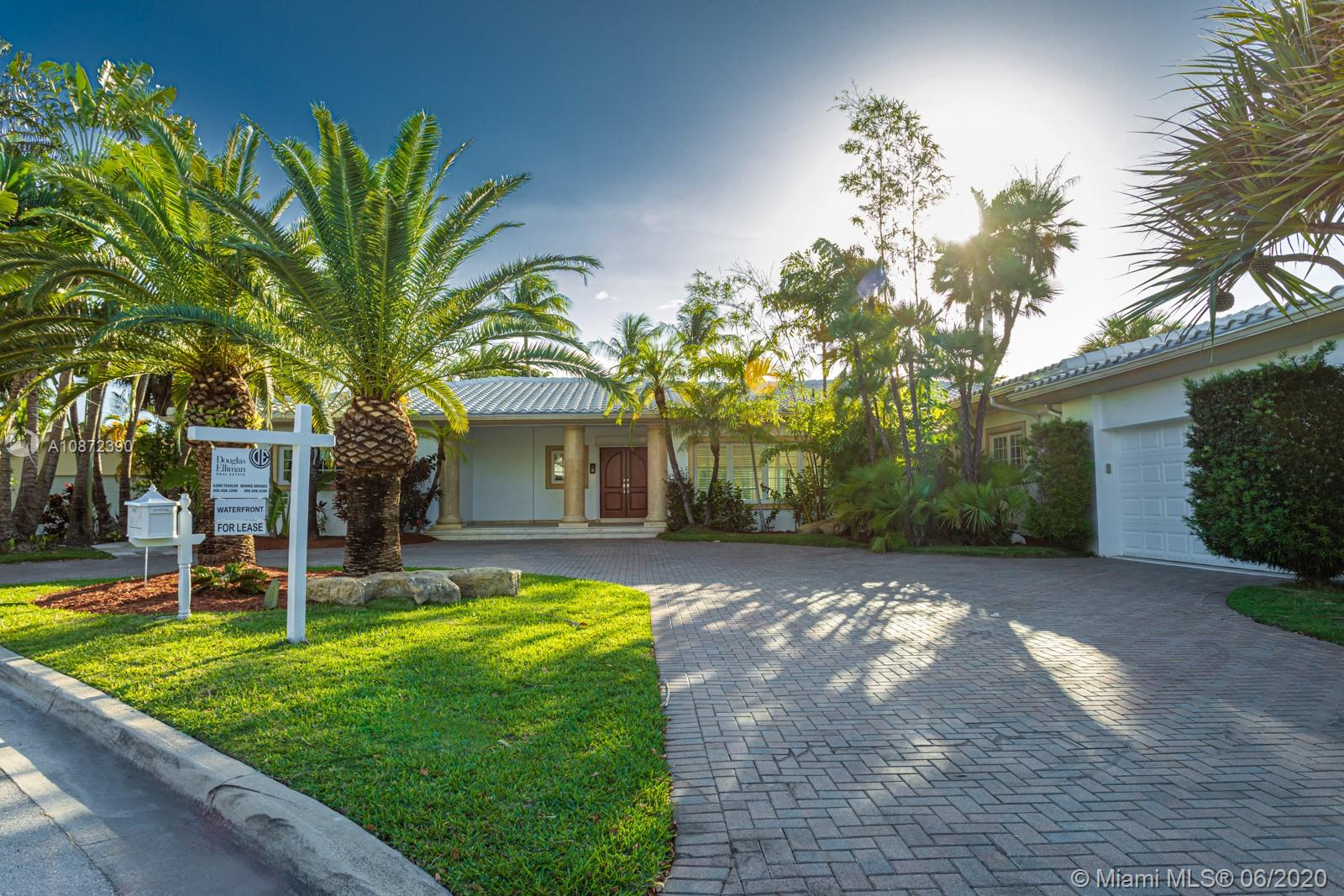 9176  Bay Dr  For Sale A10872390, FL