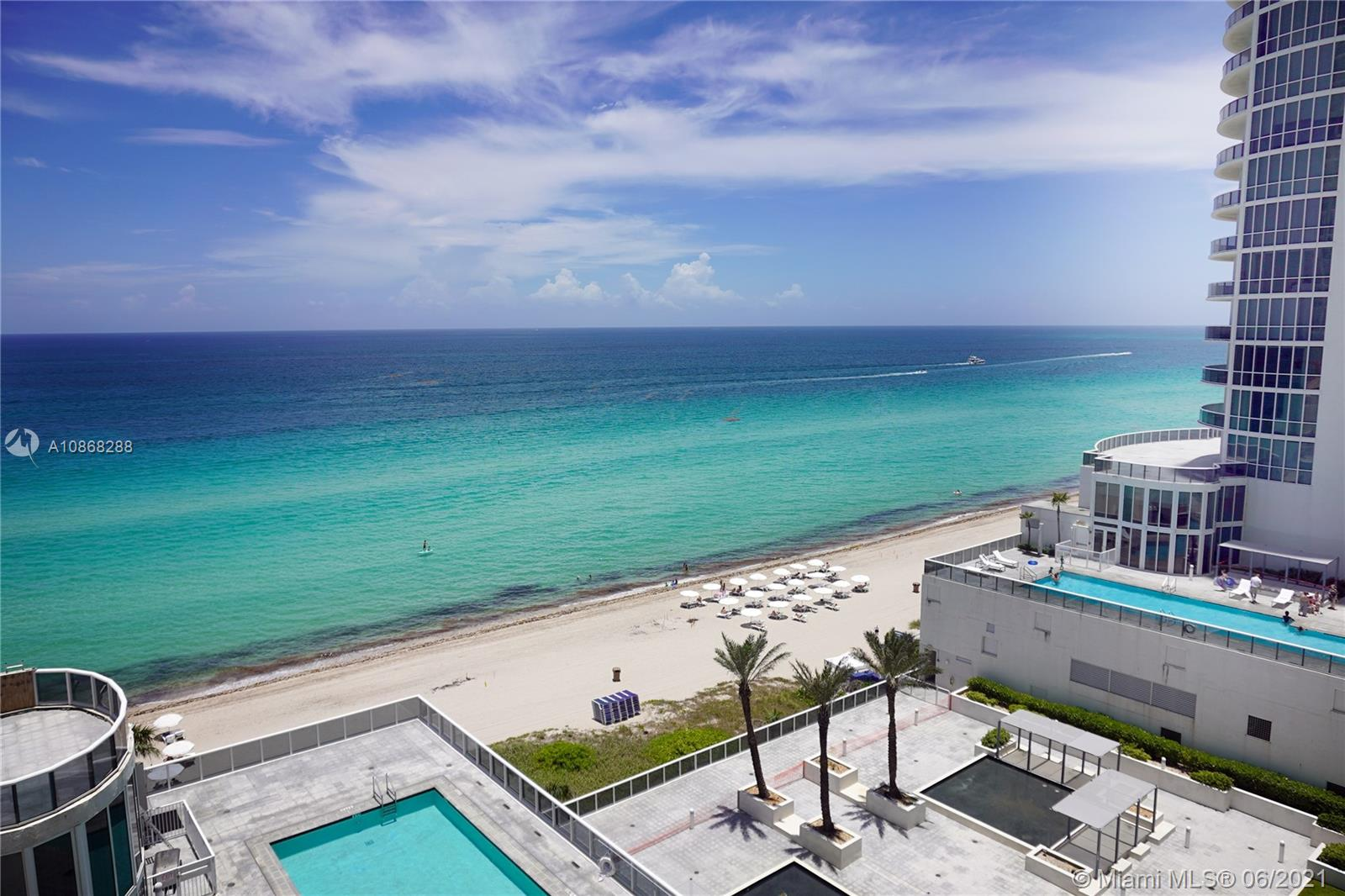 BEAUTIFUL 2/3 CONDO WITH THE OCEANVIEW IN THE LUXURY BUILDING WITH TOP AMENITIES. PRICED TO SELL!!!