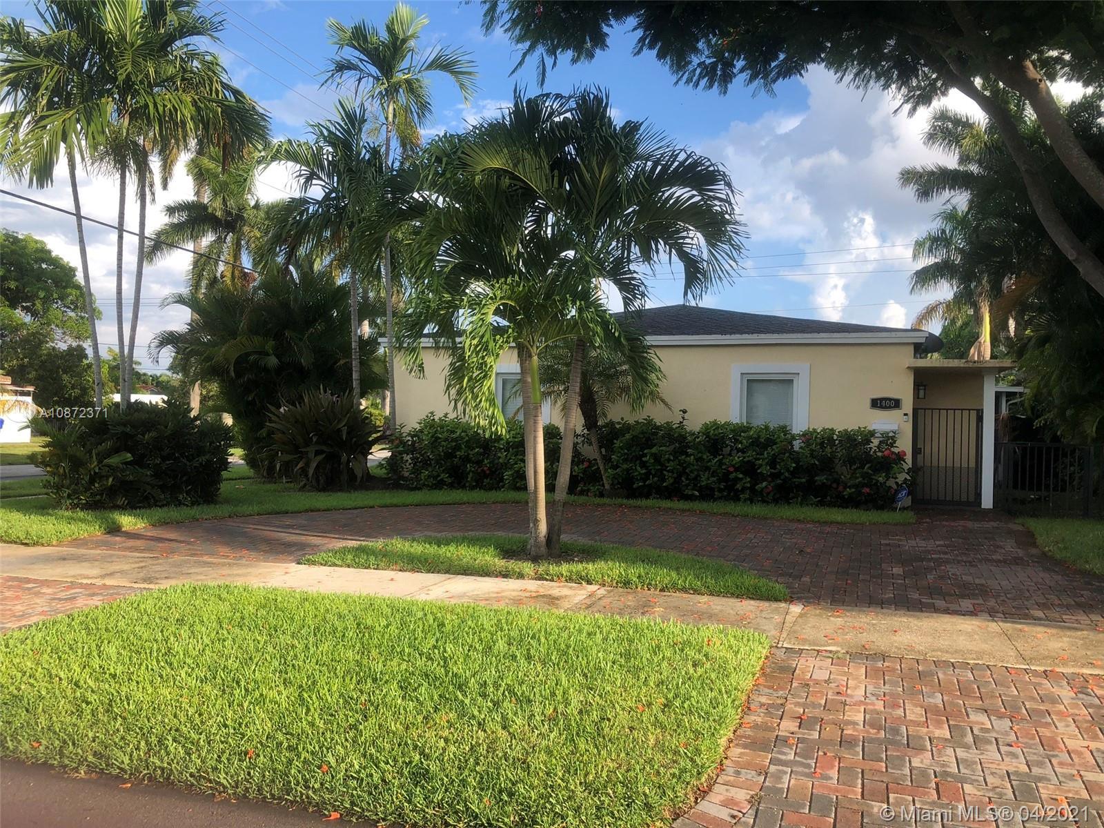 1400  Dewey St  For Sale A10872371, FL