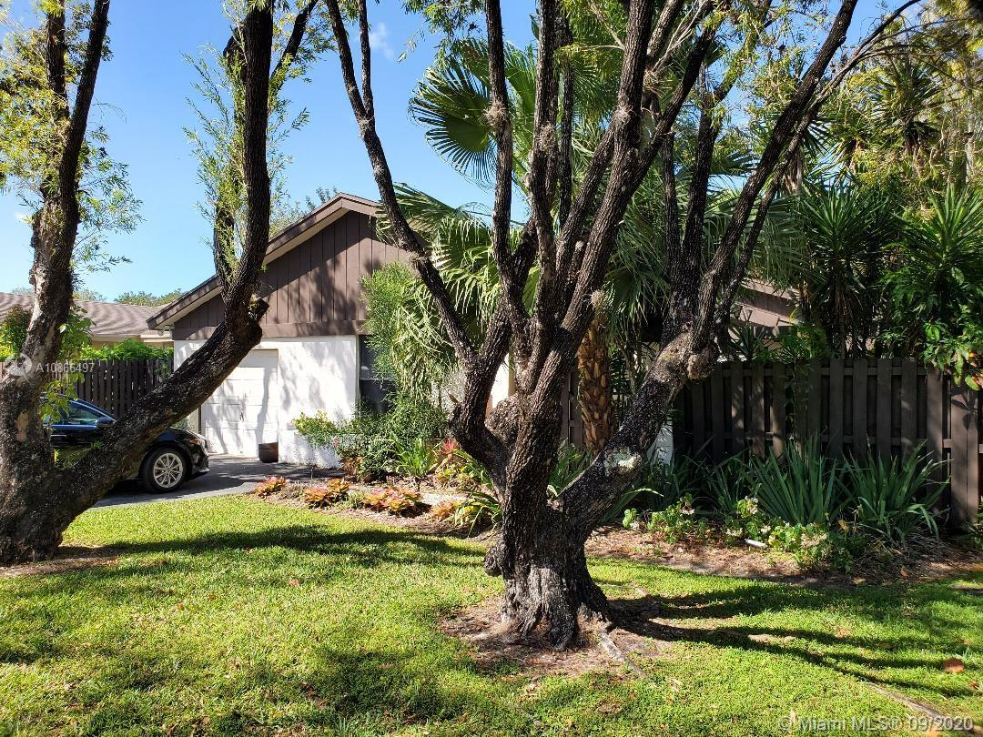 Accepting backup cash offers due to conditions. Located in the family-friendly neighborhood of The Crossings. This 3 bedroom 2 bathroom house has a one-car garage and an ample sized backyard. This diamond in the rough has a lot of potential to make a great home.