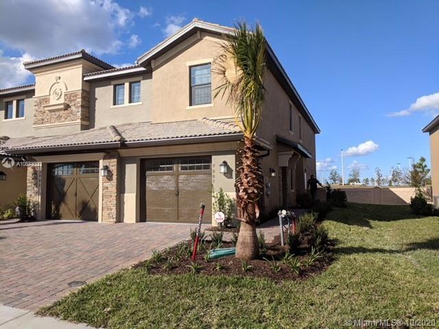 9023  Azalea Sands LnCHAM #9023 For Sale A10873323, FL