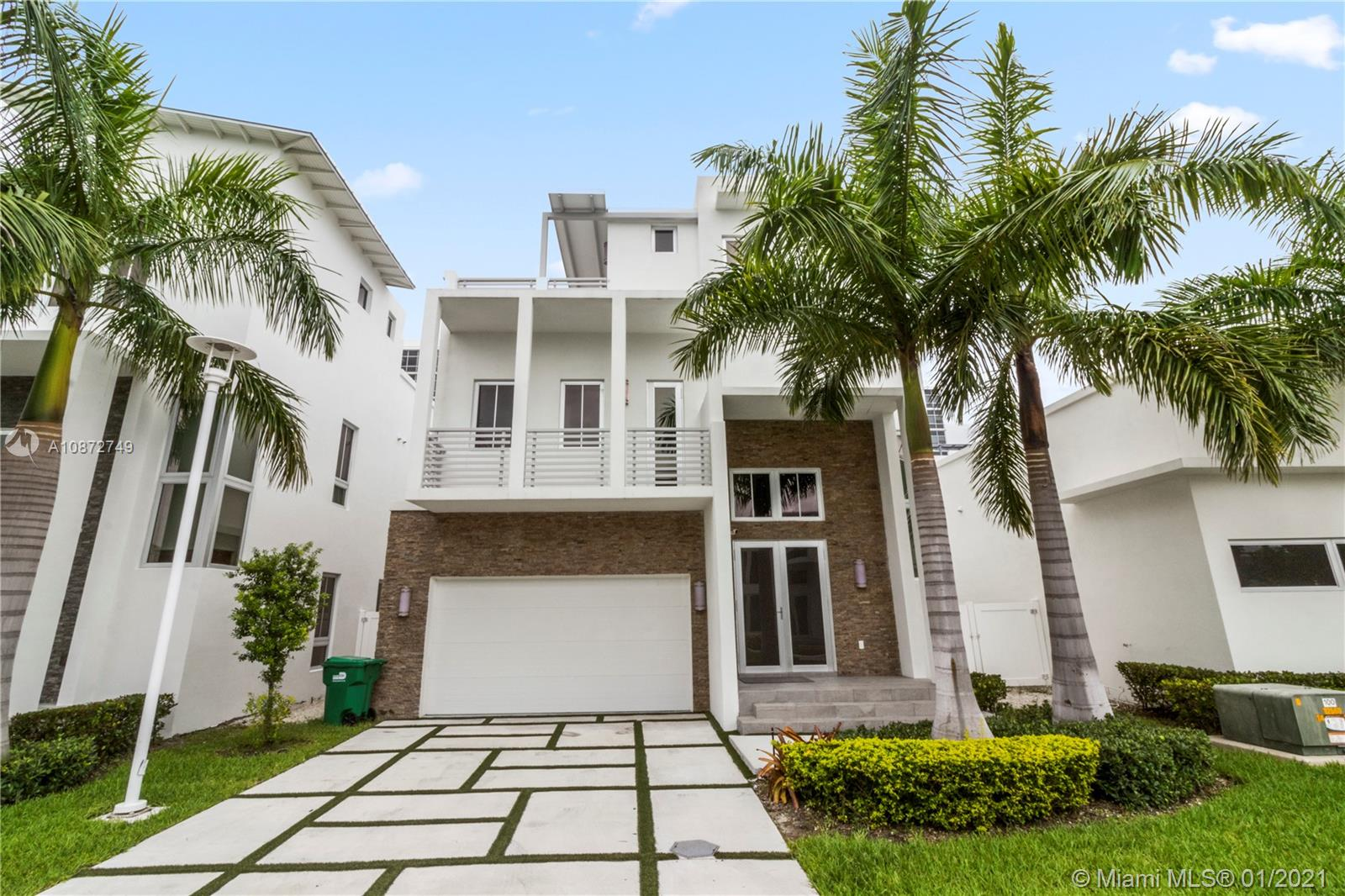 8237 NW 34th Dr #8237 For Sale A10872749, FL
