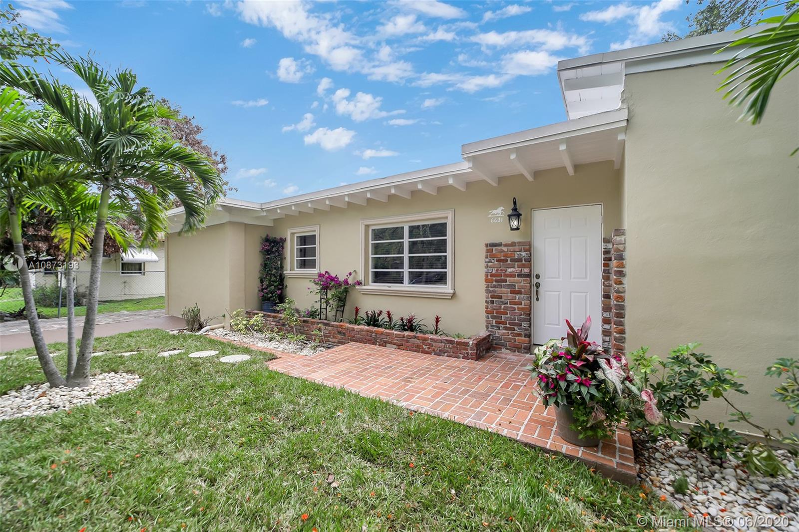 6631 SW 63rd Ave  For Sale A10873193, FL
