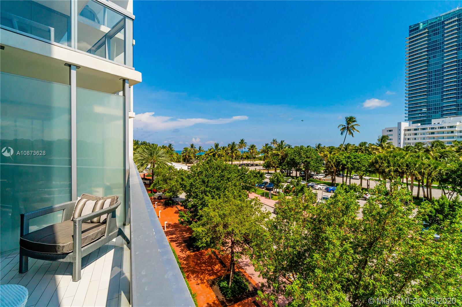 2201  Collins Ave #302 For Sale A10873628, FL