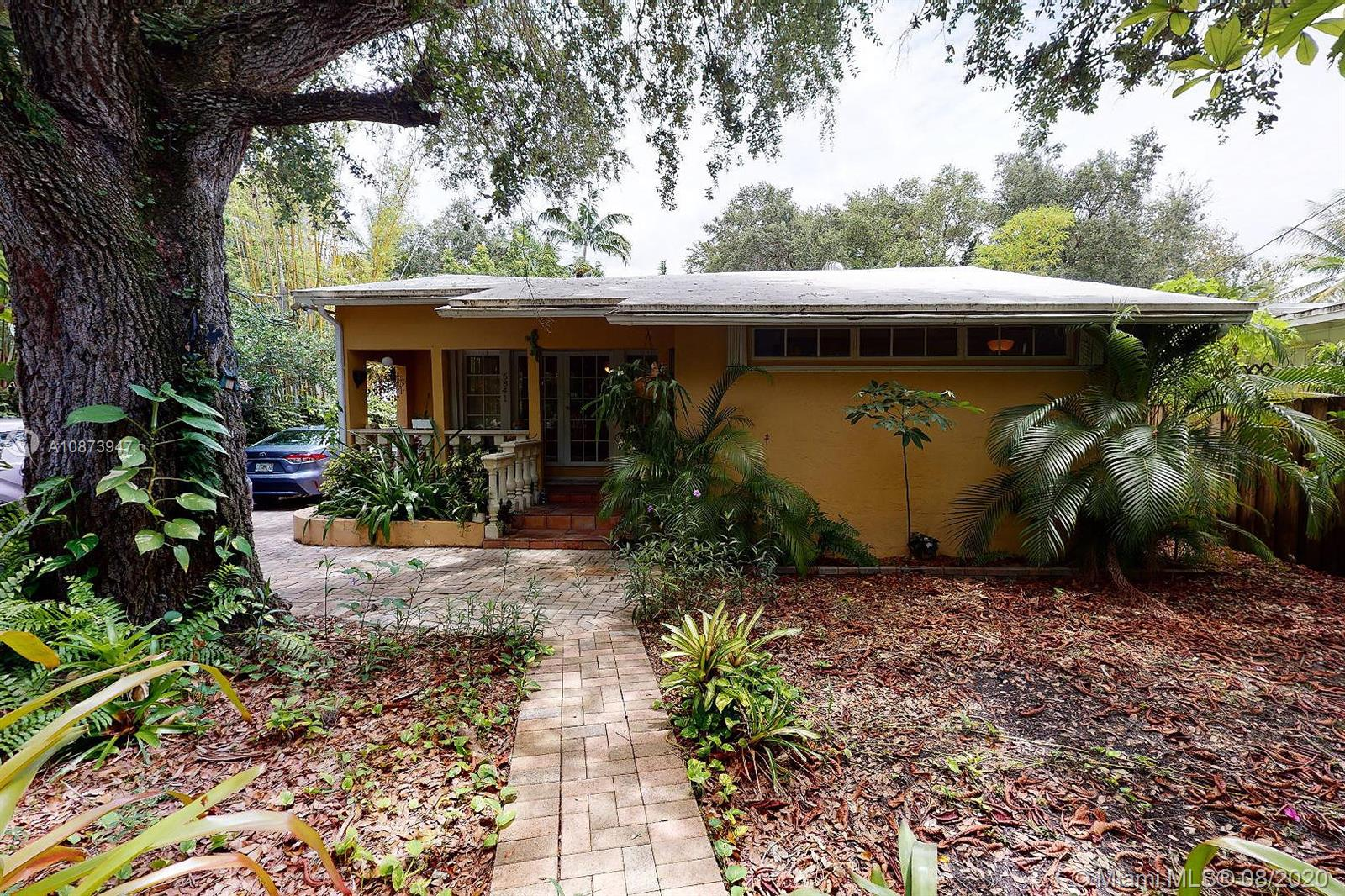 6841 SW 78th Ter  For Sale A10873947, FL