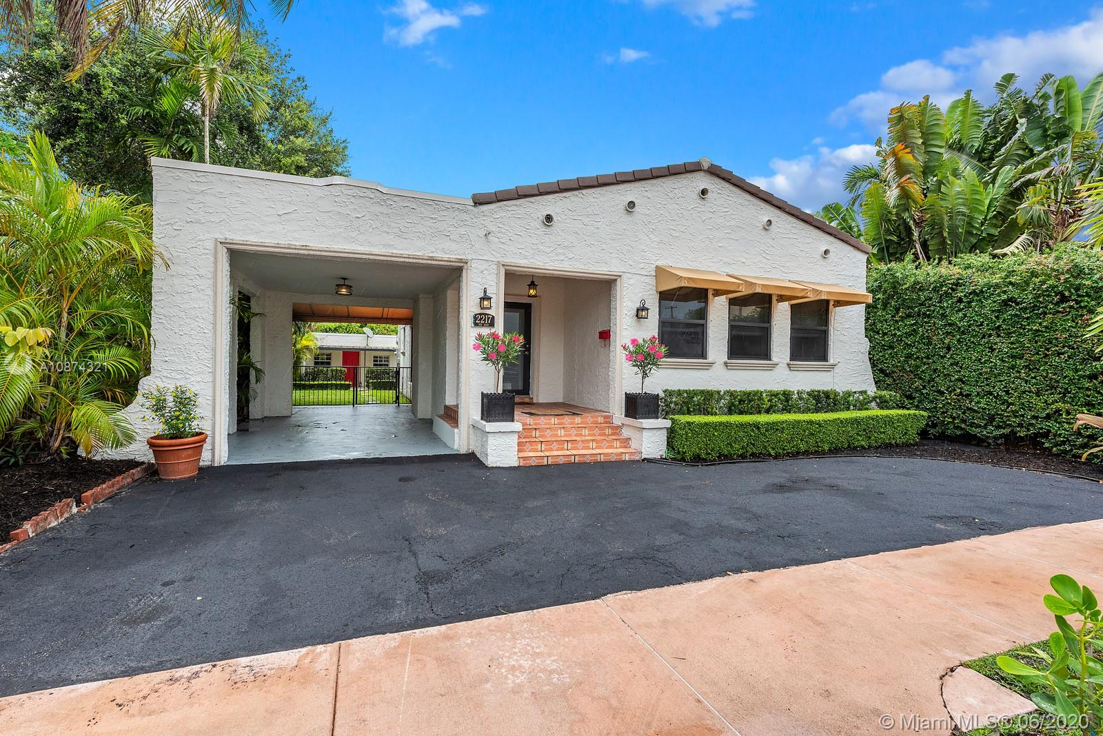 2217 SW 57th Ave  For Sale A10874321, FL