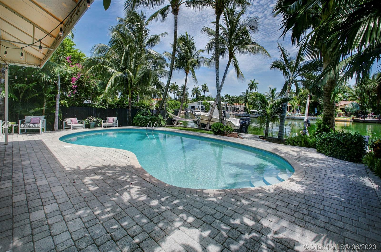 560 S Shore Dr  For Sale A10874471, FL