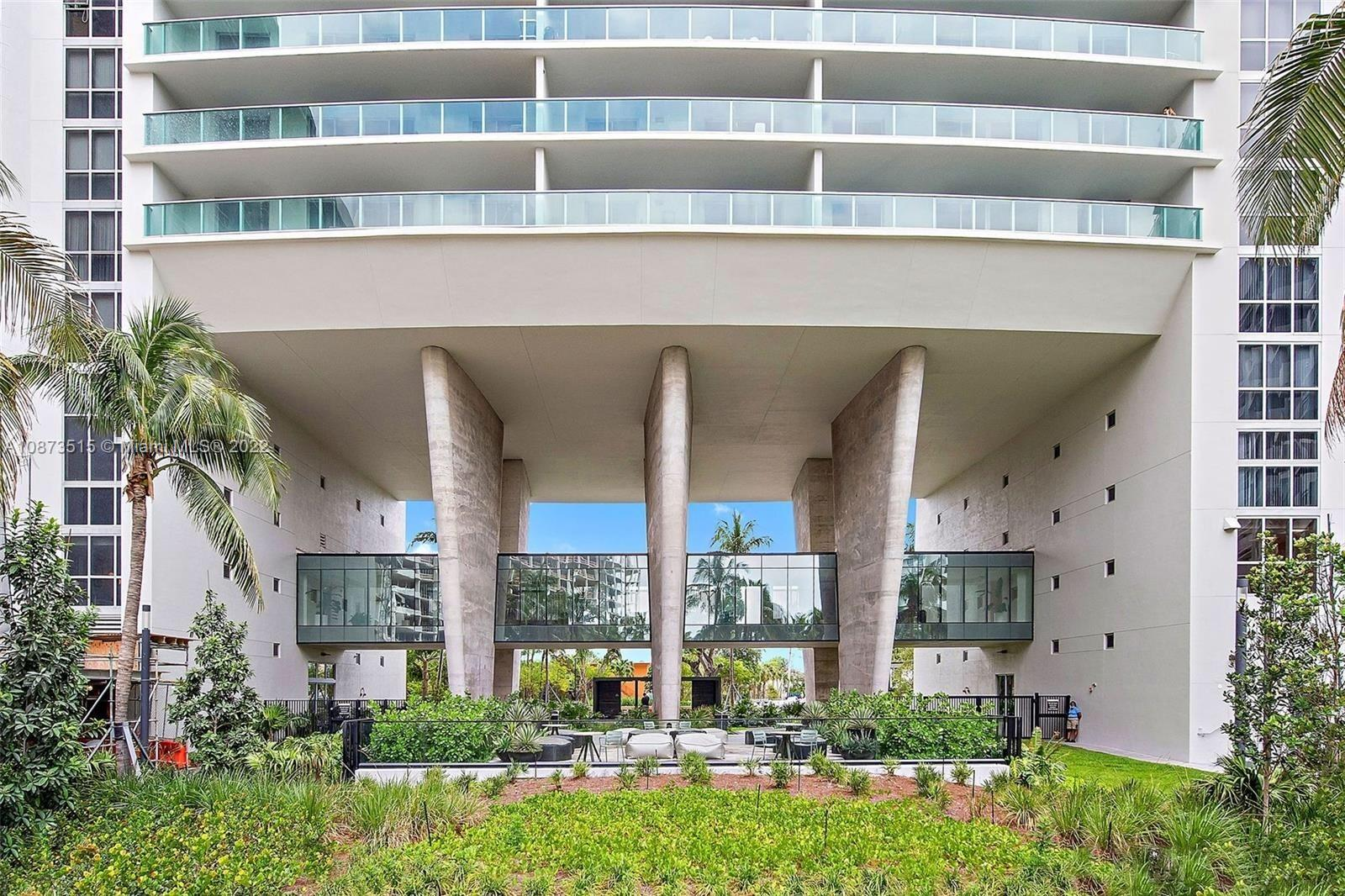 1500  Bay Rd #1202S For Sale A10873515, FL