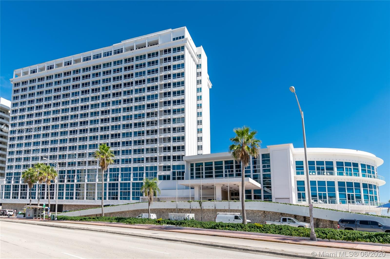 5445  Collins Ave #424 For Sale A10873235, FL