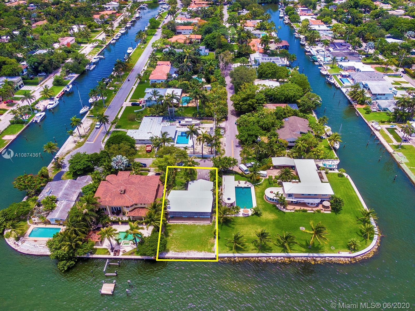 8921 N Bayshore Dr  For Sale A10874361, FL
