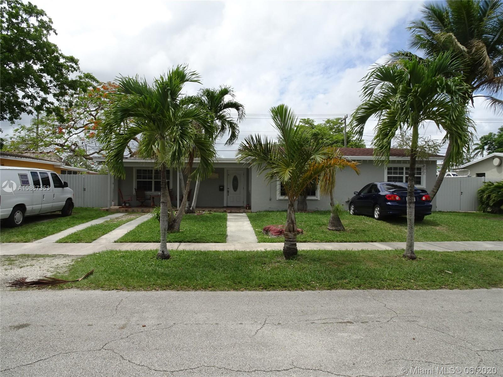 9981  Dominican Dr  For Sale A10867353, FL