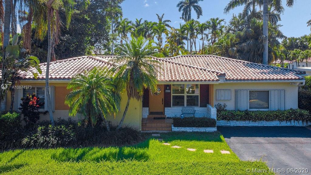 7530  Center Bay Dr  For Sale A10874973, FL