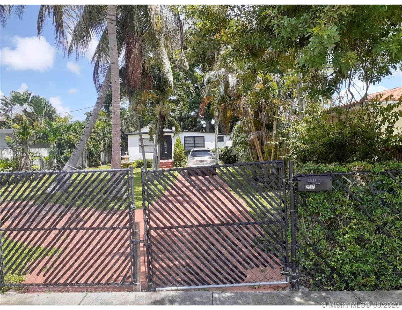 2921 SW 35th Ave  For Sale A10875389, FL