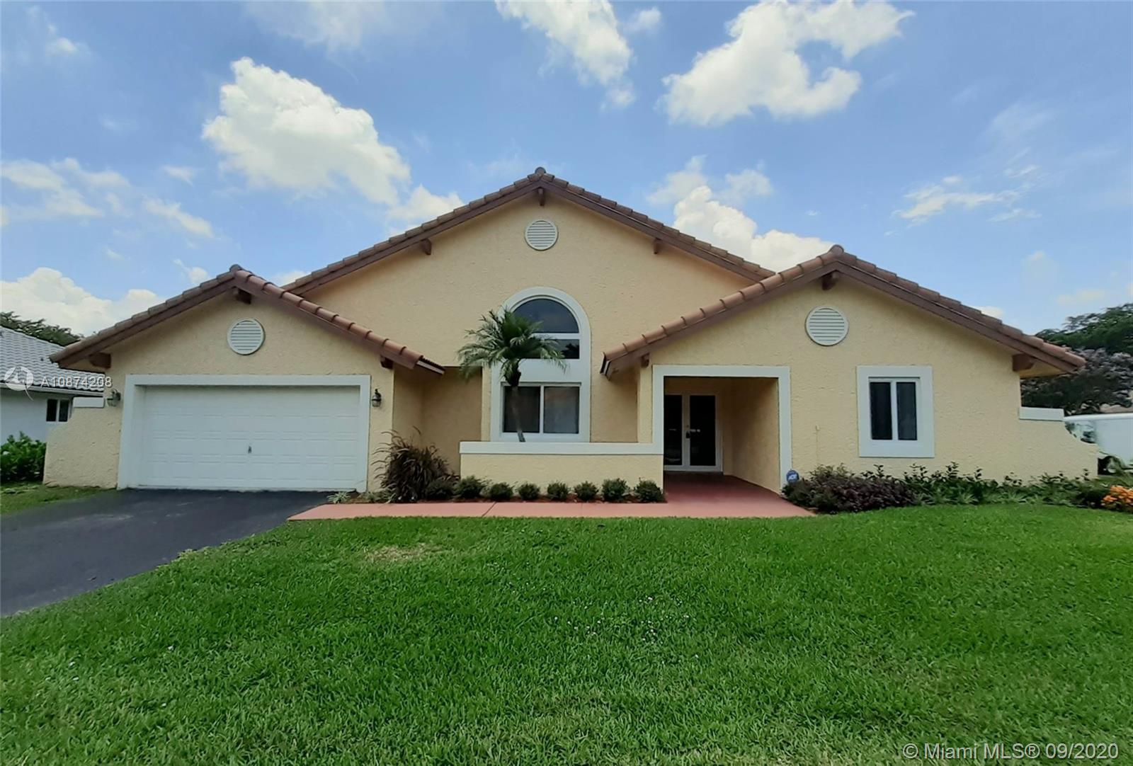 1501 E Oak Knoll Cir  For Sale A10874208, FL