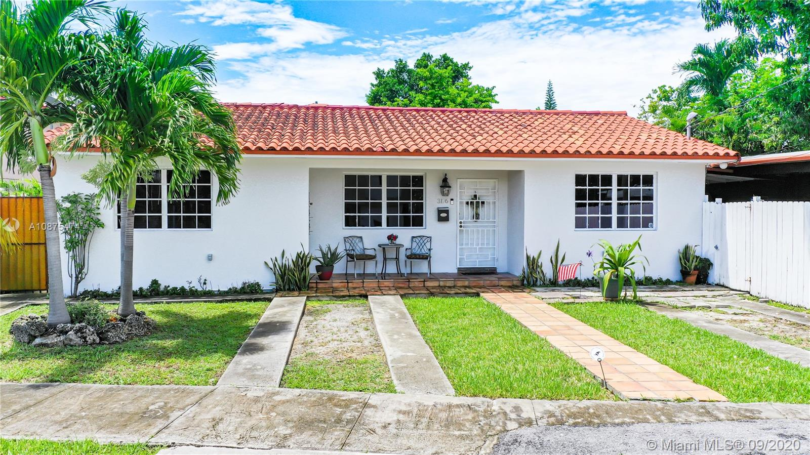 3177 SW 24th Ter  For Sale A10875474, FL