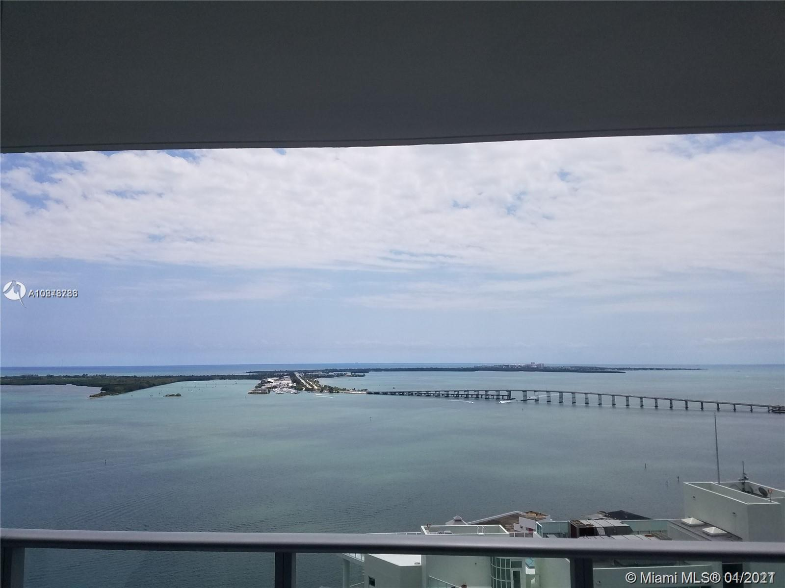 WATER VIEW THROUGHOUT THE APARTMENT! Beautiful condo 2+den and 2 bathrooms. White Porcelain flooring - Private balcony offering breathtaking views of Biscayne Bay. Gourmet kitchen and bathroom with imported European cabinetry, premium appliances, and finishes. Amenities include 24-hr welcome desk, 24hr guest valet, lounge, HD screening room with10-ft screen theater-style seating, 50 ft. long lap pool with poolside cabanas, sauna, and spa and also Roof top pool.