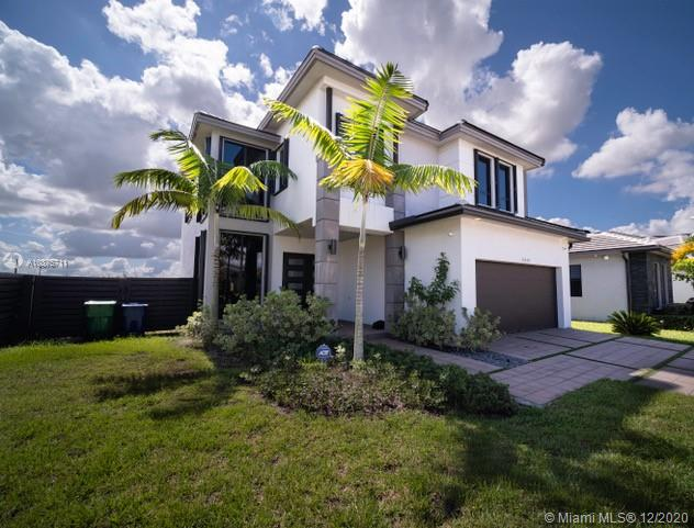 13639 SW 158th Pl  For Sale A10875711, FL