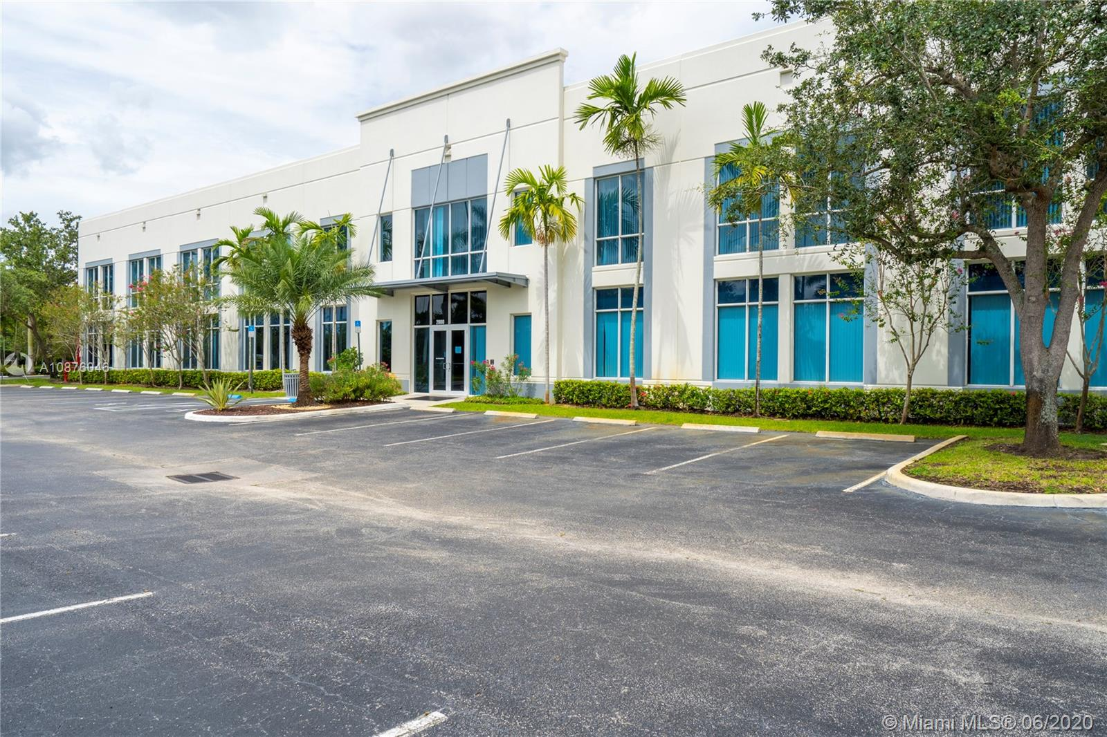 2000 NW 150th Ave #C For Sale A10876046, FL