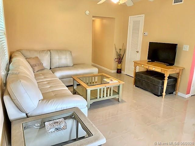 2428  Taylor St #6 For Sale A10875606, FL