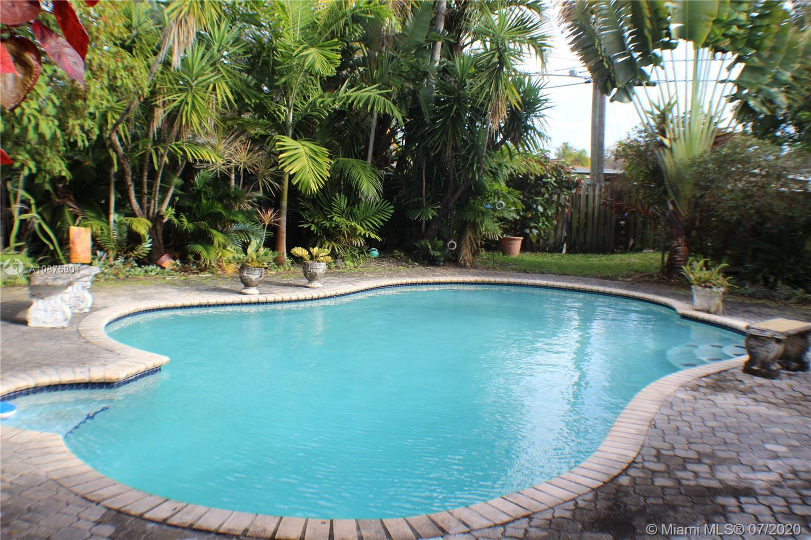 2109 N 48th Ave  For Sale A10875801, FL