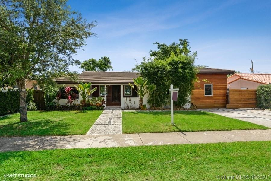 3953 SW 60th Ave  For Sale A10876181, FL