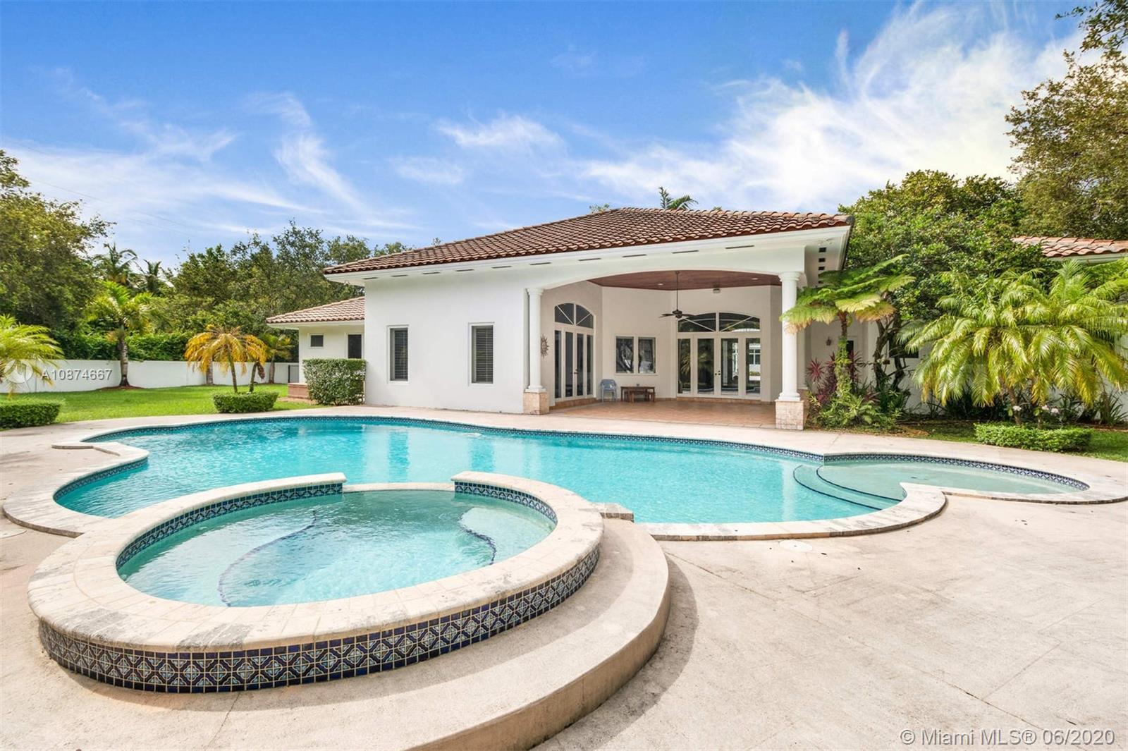 8201 SW 111 terrace  For Sale A10874667, FL
