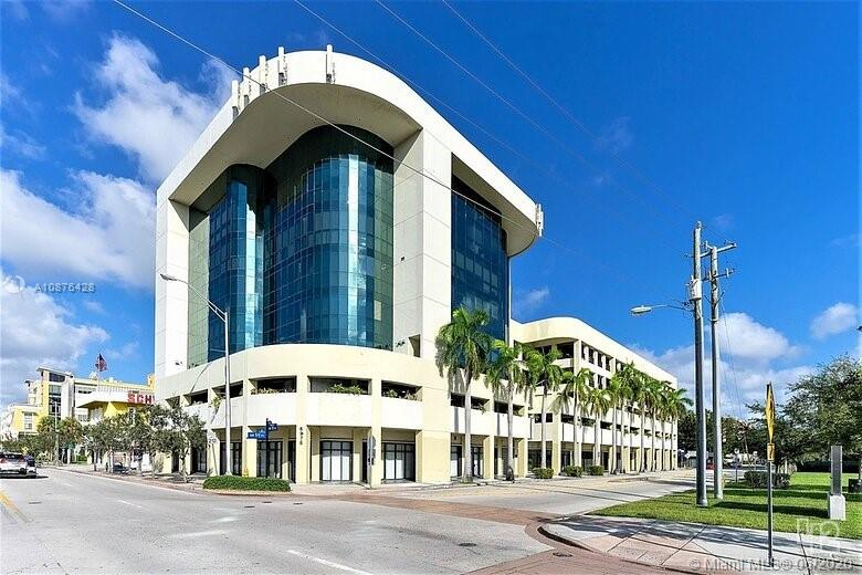5975  Sunset Dr #607 For Sale A10876428, FL