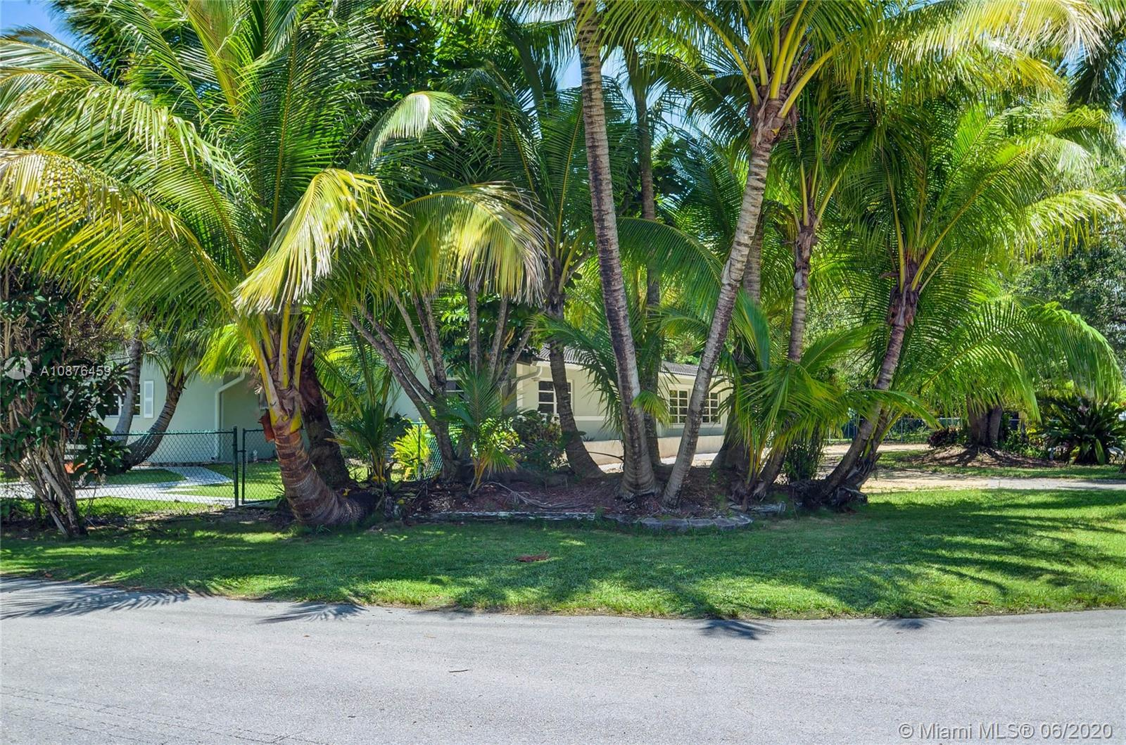 10500 SW 72nd Ave  For Sale A10876459, FL