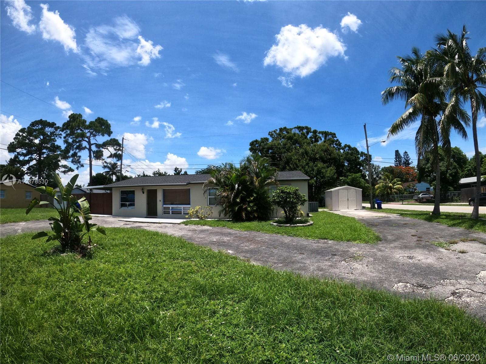 4301 SW 23rd Ct  For Sale A10876530, FL