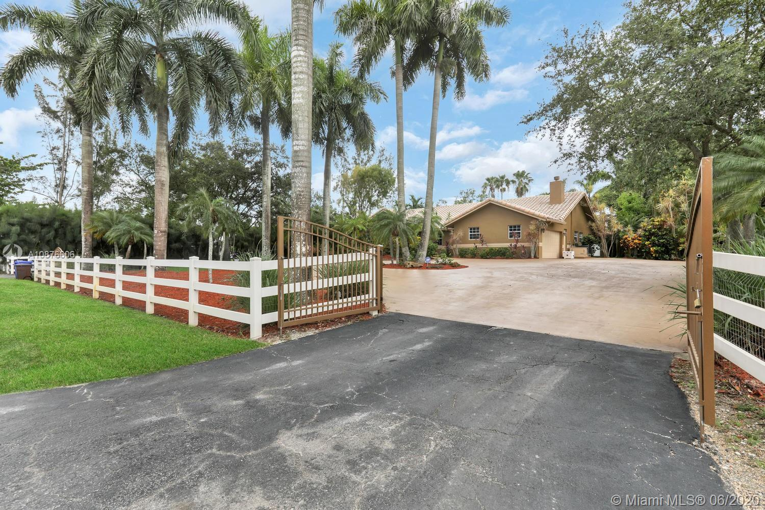 15720 SW 56th St  For Sale A10876606, FL