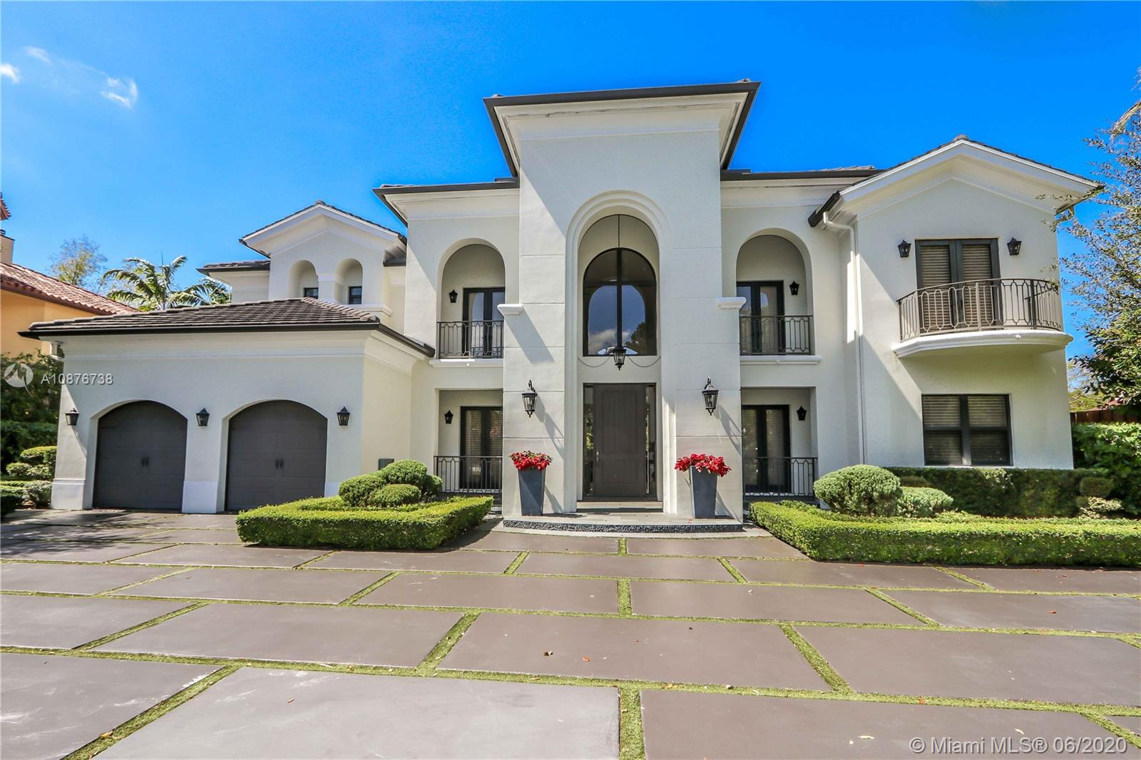 6624 SW 69th Ave  For Sale A10876738, FL
