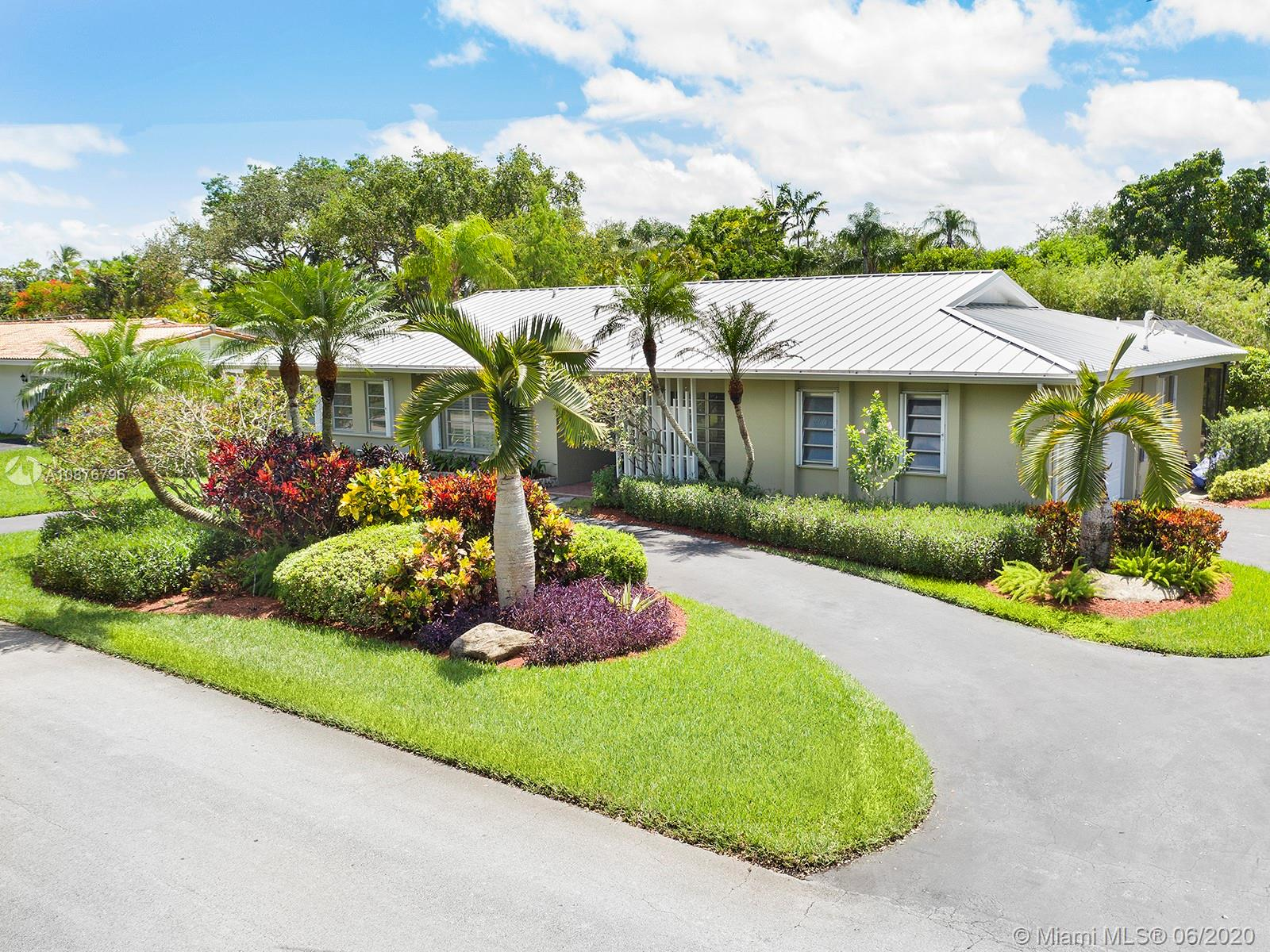 12810 SW 70th Ave  For Sale A10876796, FL