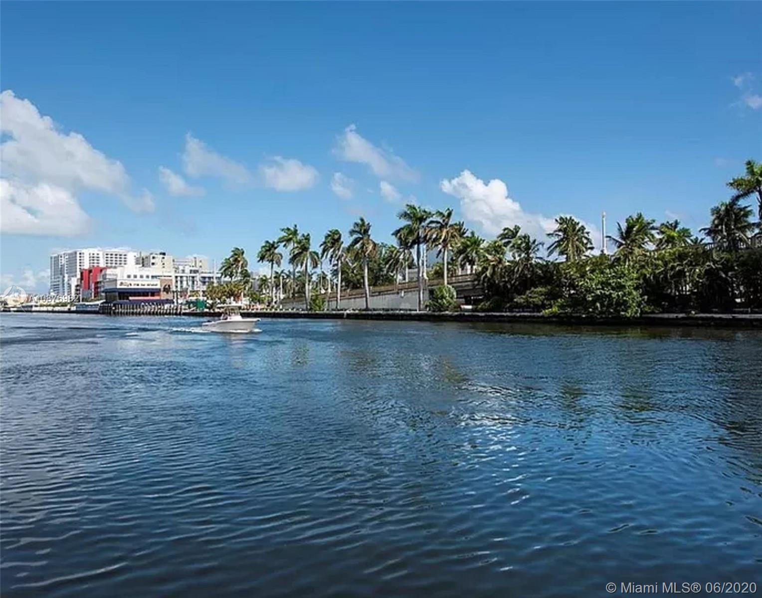 701  Hollywood Blvd  For Sale A10876982, FL