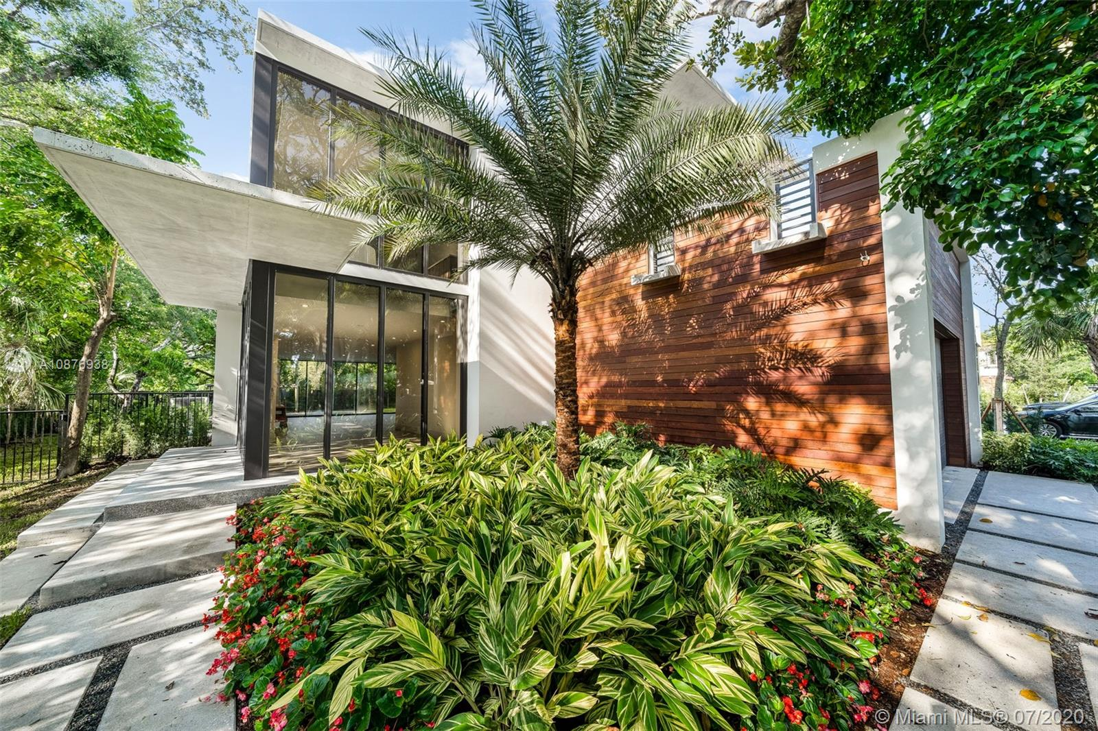 6000 SW 79th St  For Sale A10876938, FL