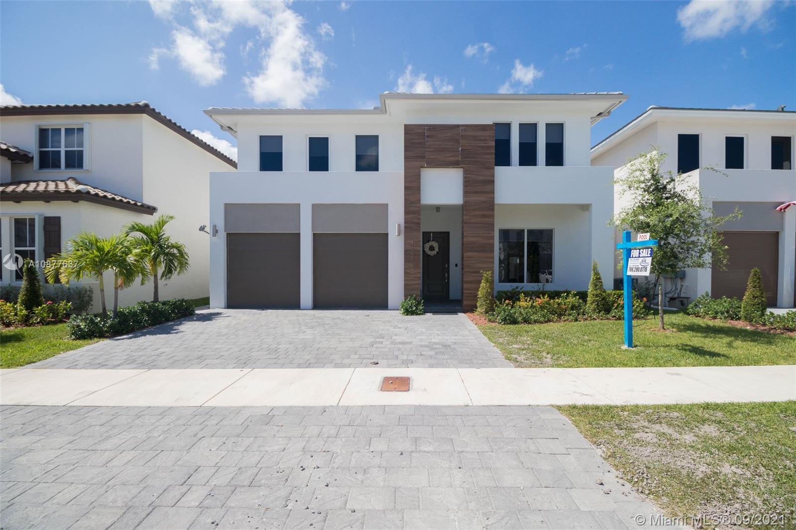 15213 SW 176th Ter, Miami, FL 33187