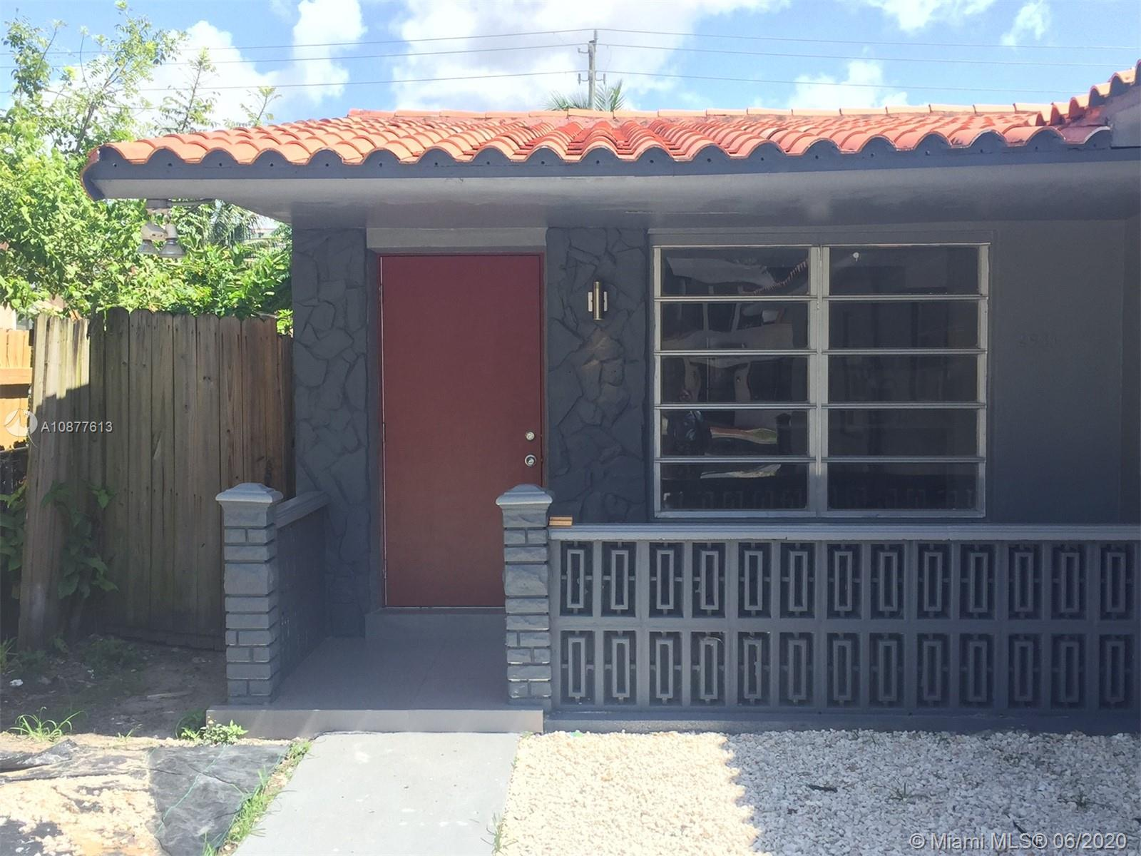 2933 SW 24th Ter  For Sale A10877613, FL