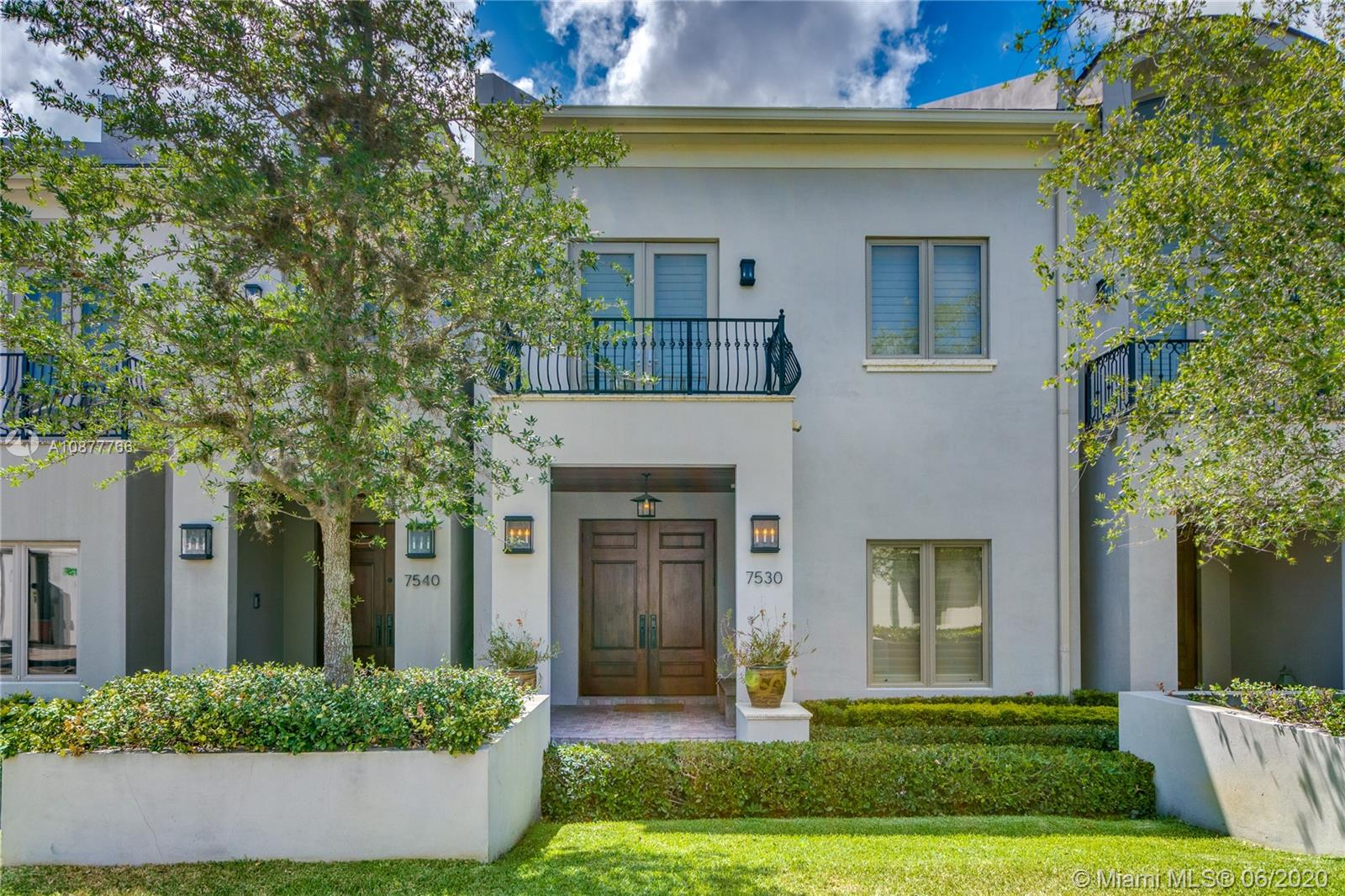 7530 SW 56th Ct  For Sale A10877766, FL