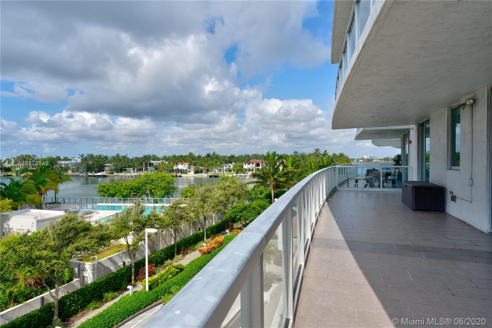 6700  Indian Creek Dr #402 For Sale A10876842, FL