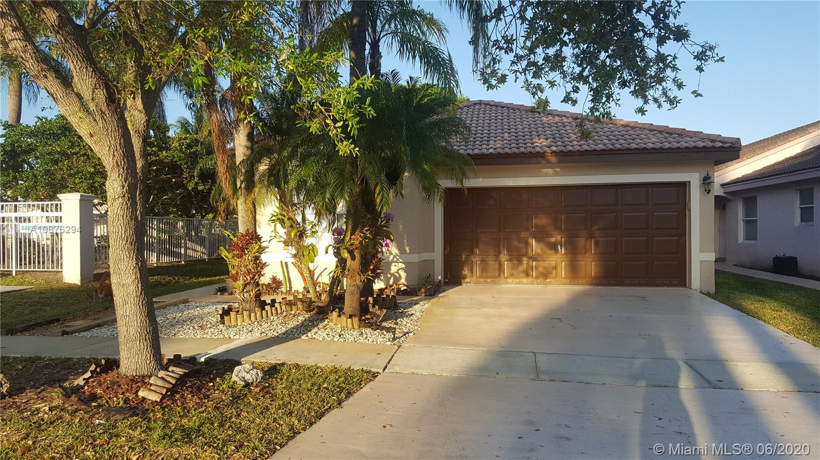 2607 SW 177th Ave  For Sale A10876294, FL