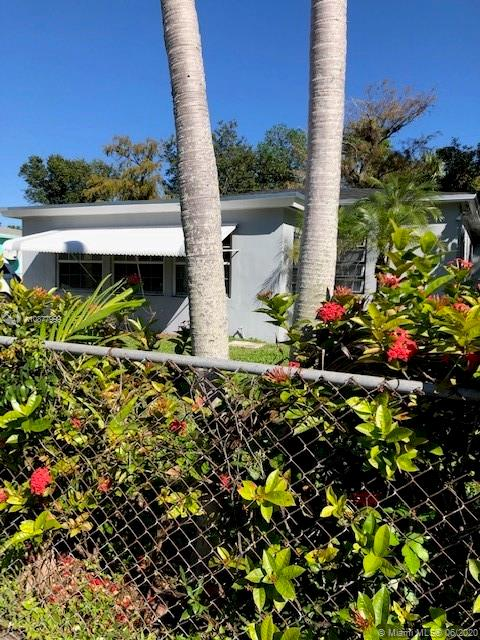 824 NW 17th Ave  For Sale A10877999, FL