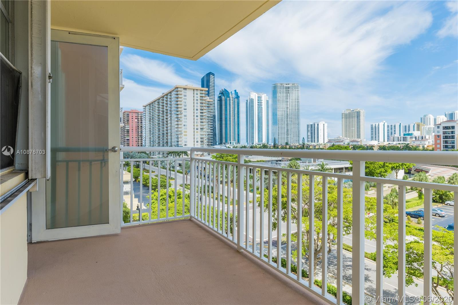 251  174th St #515 For Sale A10876703, FL