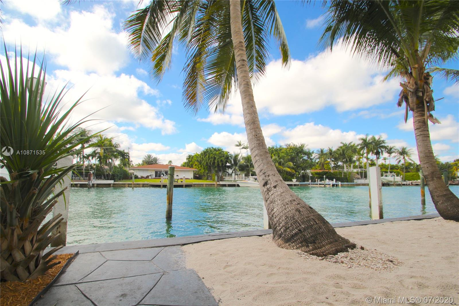 10082 W Bay Harbor Drive #5 For Sale A10871535, FL