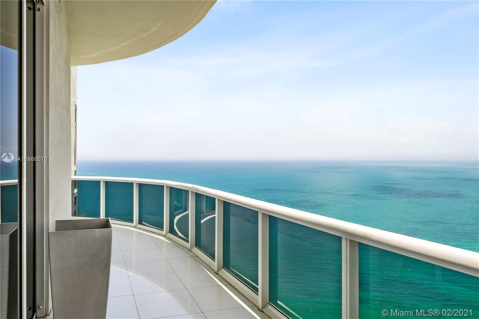 15811  Collins Ave #4302 For Sale A10866070, FL
