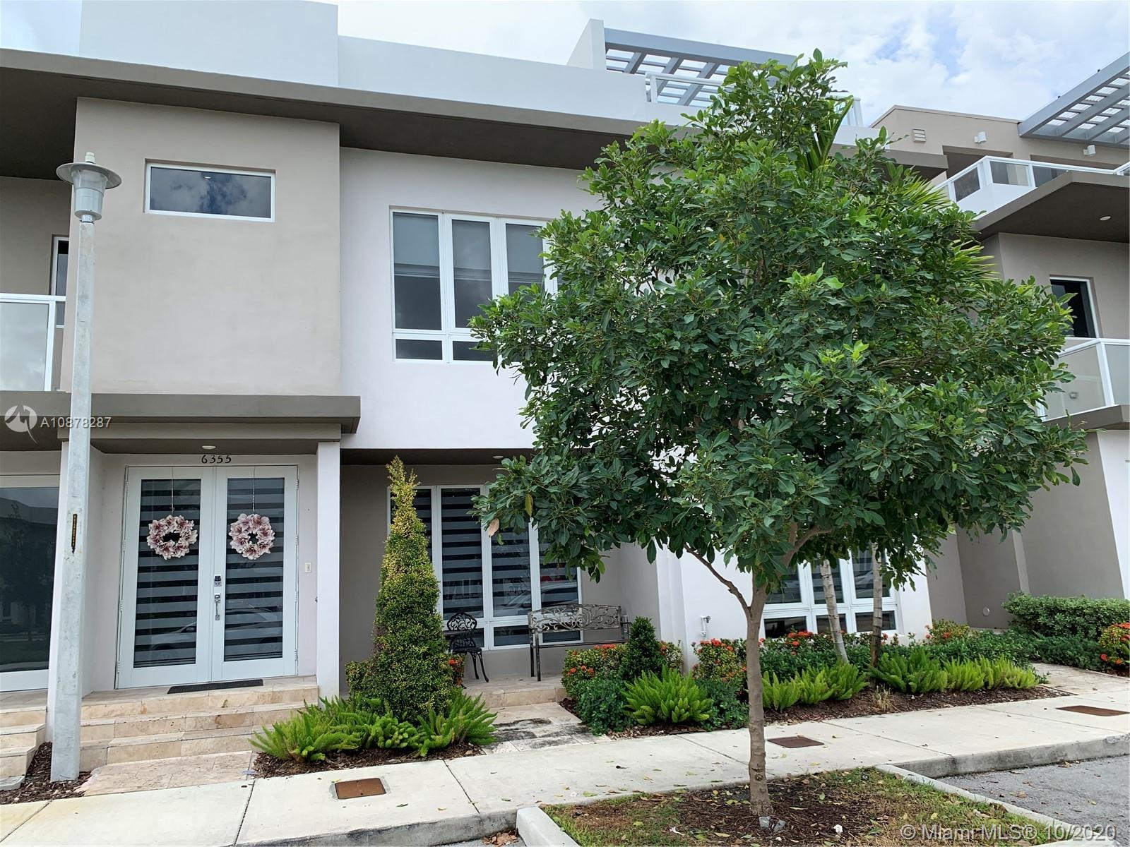Wonderful! 3 bedrooms and 2.5 bathrooms, 2 story Townhouse centrally located. Top of the line stainless steel appliances. Impact windows all through the house. Garden view with park in front of the house. Excellent location, close to A+ schools.