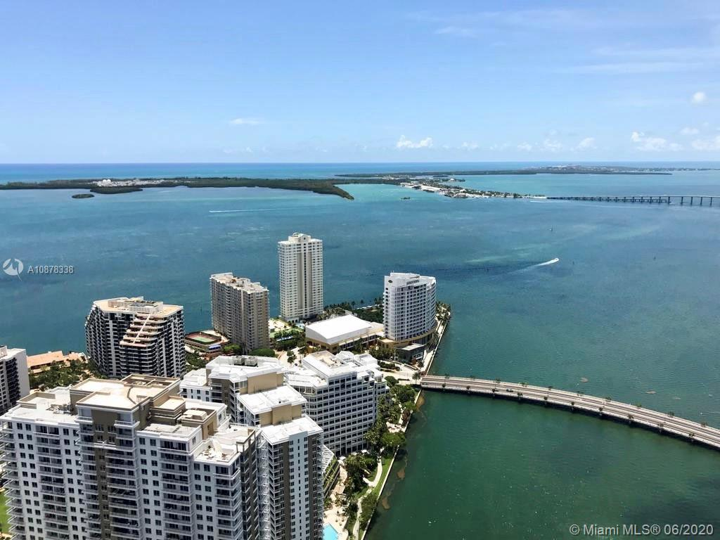 Stunning unobstructed views of the Ocean, Key Biscayne, Miami Downtown and Miami Beach. High floor corner private unit, Best line in the building. Amazing pool area and Luxury Spa. Walking distance to Brickell City Centre, restaurants, Bay side walk, Downtown Miami. Easy to Show